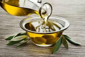 8 Tips Mudah Untuk Kulit Cantik Menggunakan Minyak Zaitun Asli